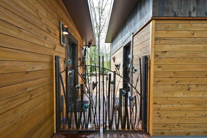 Custom modern gate